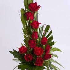 A dozen red roses.