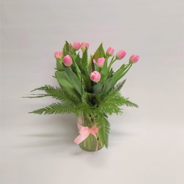 Tulips-in-glass-vase